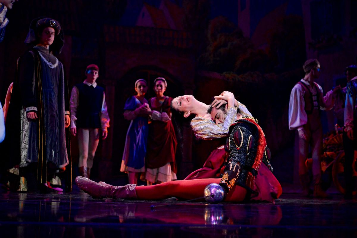 Lady Capulet mourns the death of Tybalt